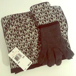 ⭐️ MK Boxed Scarf, Hat & Glove Set